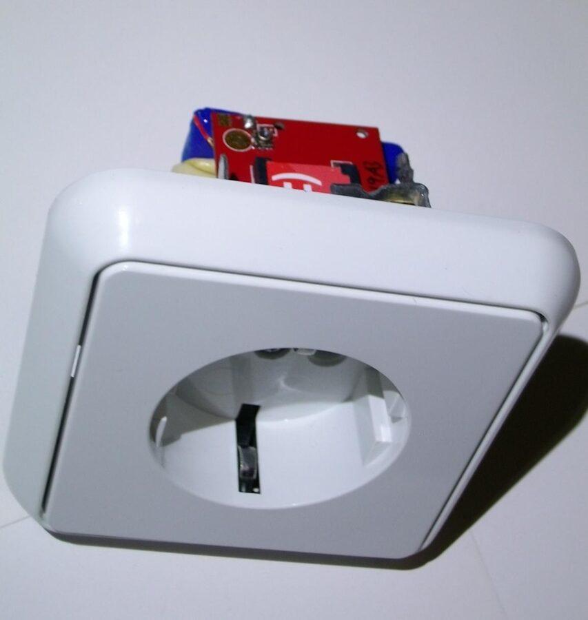 Жучок для прослушки - розетка SocketBug